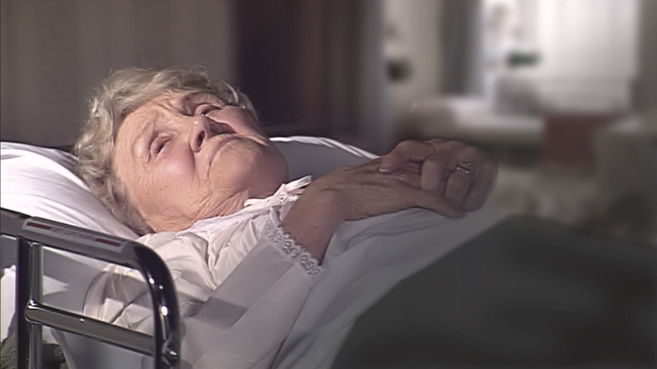 Nursing_Home_Old_Woman_In_Bed