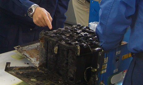 The main lithium-ion battery of the Boeing 787 that made an emergency landing is dismantled